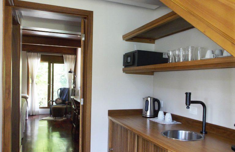 bangalow-araucaria-hotel-boutique-quebra-noz-conforto-e-natureza3