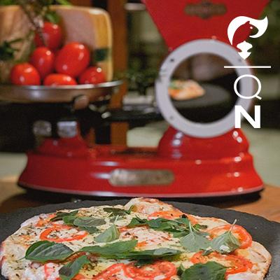 Pizza ao forno e música Hotel Boutique Quebra-Noz